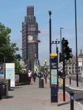 大本钟保护在伦敦运作 库存图片