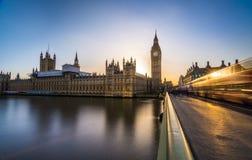 大本钟和议会议院在伦敦 免版税库存图片