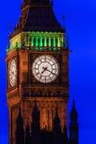 大本钟在晚上,威斯敏斯特在伦敦,英国 库存照片