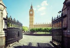大本钟在晴天,伦敦 免版税图库摄影