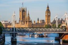 大本钟塔在伦敦 免版税库存照片