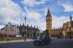 大本钟钟楼和周边地区的细节 免版税库存图片