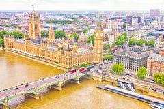 大本钟,议会和泰晤士河 免版税库存图片
