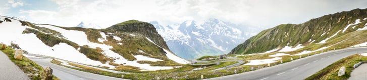 大格洛克纳山高高山路在奥地利 库存照片