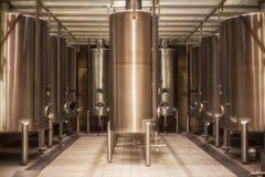 大桶行在Rioja酿酒厂 库存照片