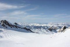 大横向山山 滑雪胜地在Apls, Kaprun,奥地利 免版税图库摄影