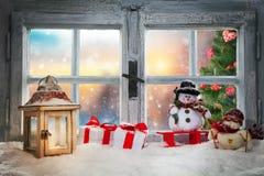 大气圣诞节窗口基石装饰 免版税库存照片