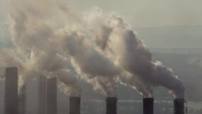 大气的污染由冶金产业的工业企业的 影视素材