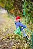 大气秋天儿童质朴的女孩一点 库存图片