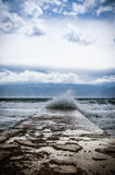 大波浪在海 库存照片