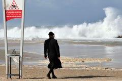 大波浪在以色列 库存图片