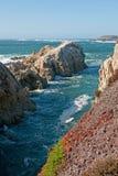 大海岸公园岩石状态sur 库存图片