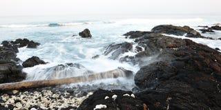 大海岸早期的夏威夷海岛kona早晨 免版税库存图片