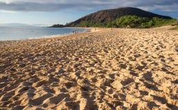 大海滩或Oneloa在毛伊夏威夷 免版税库存照片