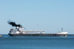 大湖散装货轮 免版税库存照片