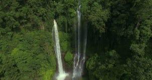 大瀑布在热带密林 影视素材