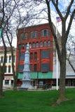 大瀑布城,密执安-南北战争战士纪念碑 免版税库存图片