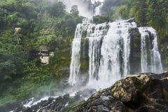 大瀑布,塔德kamud,在bolaven高原 老挝 免版税库存照片