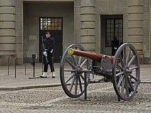 大炮在王宫 斯德哥尔摩 瑞典 免版税图库摄影