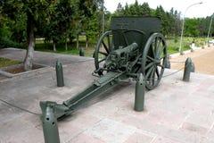 大炮在Marasesti Mausoluem 免版税图库摄影