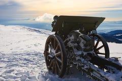 大炮接近  图库摄影