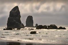 大炮海滩石峰,俄勒冈,美国 免版税库存图片