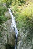 从大特尔诺沃省的Hotnitsa瀑布在保加利亚 免版税库存照片