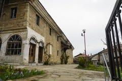 大特尔诺沃,保加利亚- 2015年4月03日:Sveti Sveti kiril和metodi教会在老镇tarnovo 教会是接近的 库存照片