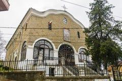 大特尔诺沃,保加利亚- 2015年4月03日:Sveti Sveti kiril我metodi教会在老镇tarnovo 教会是闭合的 免版税图库摄影