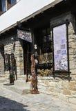 大特尔诺沃BG, 8月15日:纪念品店在从保加利亚的中世纪镇大特尔诺沃 免版税库存图片