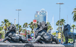 大狮子雕象在巴塞罗那,西班牙 图库摄影