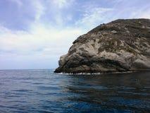 大猩猩` s面孔岩石在Arraial做Cabo,里约热内卢 库存图片