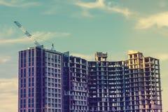 大现代大厦建设中 建筑业,住房开发,起重机 库存图片