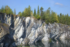 大理石峡谷天墙壁在威严的Ruskeala,卡累利阿 库存照片