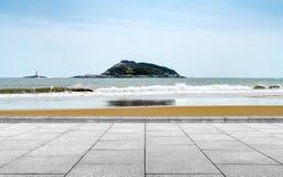 大理石平台和海岛 免版税库存照片