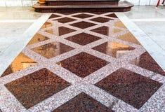 大理石或花岗岩外部路面地板的水泥板 库存图片