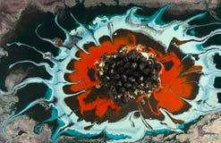 大理石抽象丙烯酸酯的背景 红色使有大理石花纹的艺术品圈子纹理 玛瑙波纹样式 金粉末 库存图片