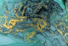 大理石抽象丙烯酸酯的背景 自然绿色使有大理石花纹的艺术品纹理 金黄的闪烁 库存照片