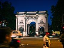 大理石曲拱,伦敦,英国在晚上 免版税图库摄影