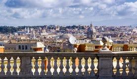 大理石楼梯栏杆在罗马 库存图片