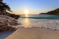 大理石海滩Saliara海滩, Thassos海岛,希腊 库存图片