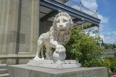 大理石狮子在沃龙佐夫宫殿 库存图片