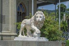 大理石狮子在沃龙佐夫宫殿 图库摄影