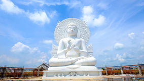 大白色菩萨雕象 免版税库存照片