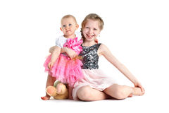 大的姐妹8年和11个月 免版税库存照片