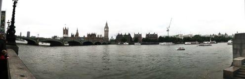 大笨钟议会安置全景图英国伦敦 免版税库存照片