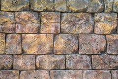 大老灰色石头的墙壁 免版税库存图片