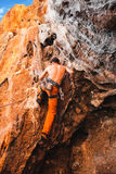 大胆的选择-攀岩 免版税库存图片