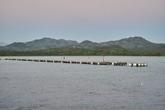大船的停泊处在海洋海湾 库存图片
