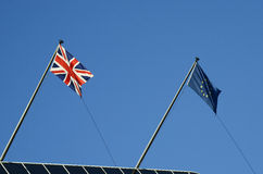 大英国和欧盟旗子  免版税库存图片